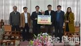 Hội doanh nghiệp huyện Tân Yên tặng 650 suất quà Tết cho hộ nghèo