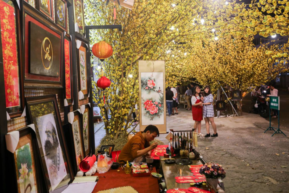 ​Writings and drawings, Saigon street, Tet holiday, Teacher street,  Pham Ngoc Thach Street, calligraphy street,  important cultural experience