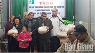 Nhiều tổ chức, đơn vị, doanh nghiệp tặng quà Tết người nghèo, khiếm thị TP Bắc Giang