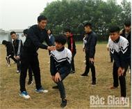 Thầy giáo Thân Văn Sơn quên mình cứu người nhảy xuống sông