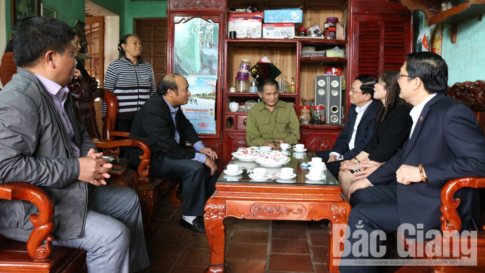Chủ tịch UBND tỉnh, Nguyễn Văn Linh, tặng quà, Tết Nguyên đán, huyện Tân Yên, Kỷ Hợi