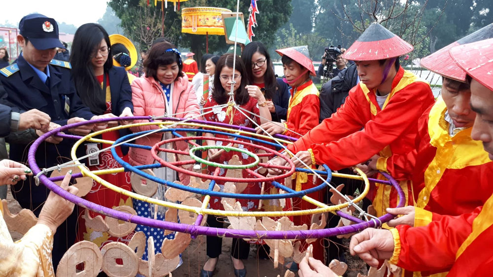 Rituals to see in New Year re-enacted at Thang Long citadel