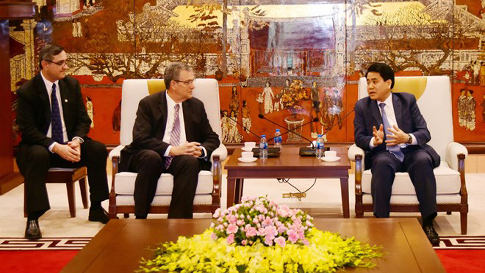 Hanoi leader lauds LDS Church's performance