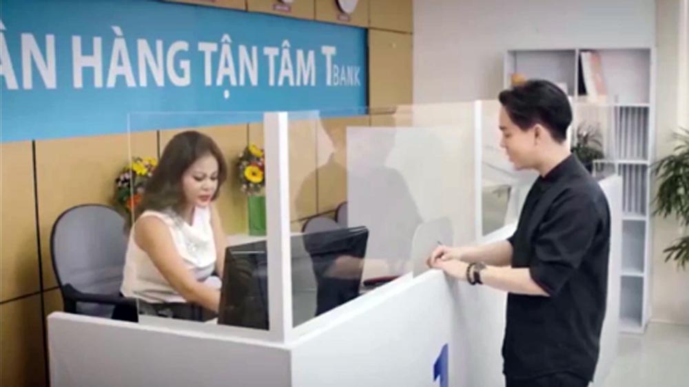 Nữ nhân viên ngân hàng 'rối não' với gia phả của khách gửi tiền