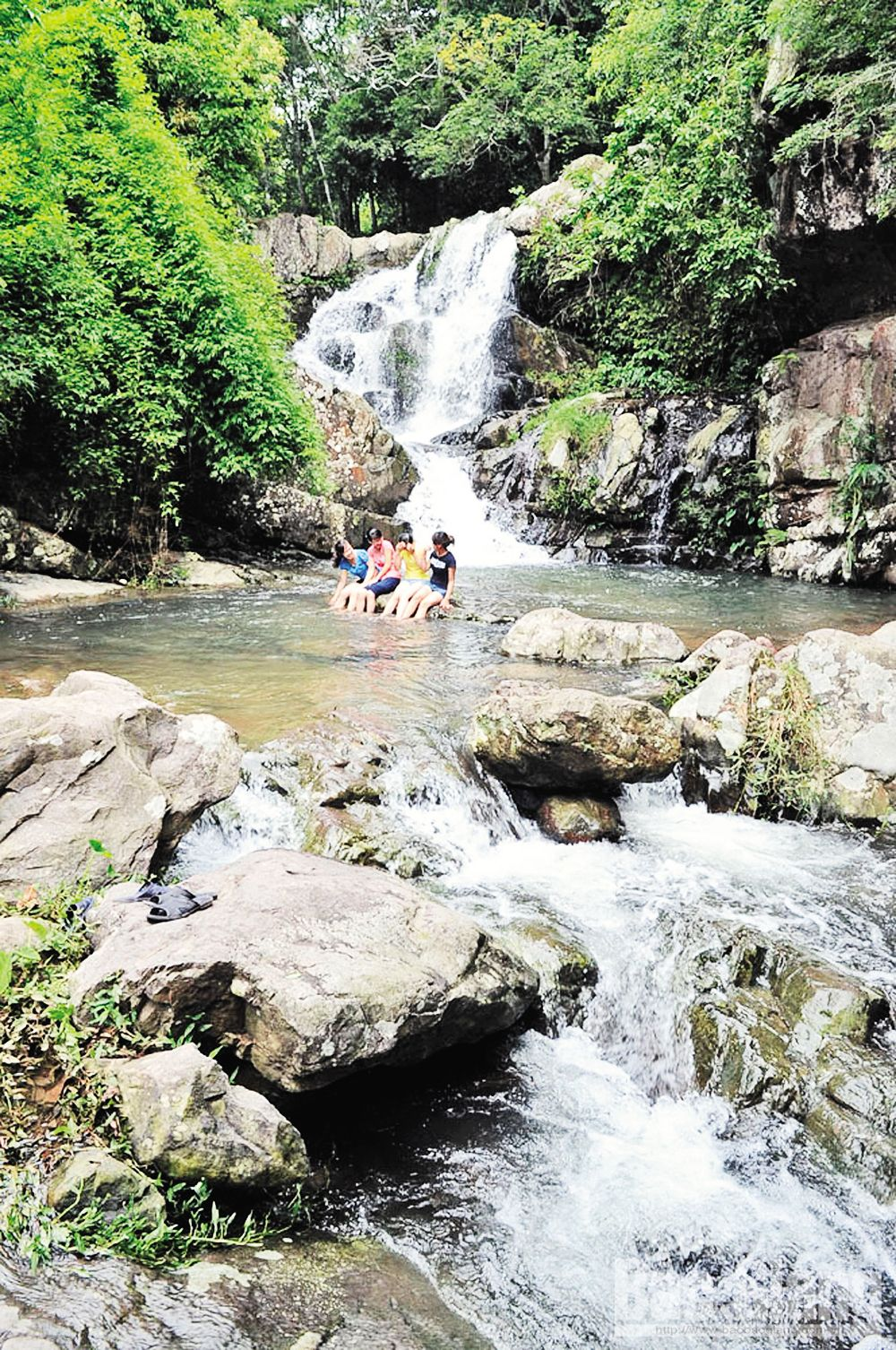 Attractive destinations, spiritual road, Bac Giang province, transport and geological advantages, Son Dong district, spectacular ranges of mountain, charming landscapes, natural waterfall, primitive forests