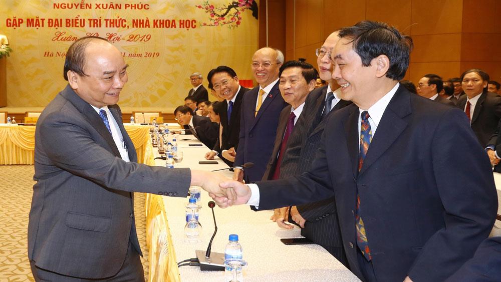 Thủ tướng Nguyễn Xuân Phúc gặp mặt, chúc Tết các đại biểu trí thức, nhà khoa học