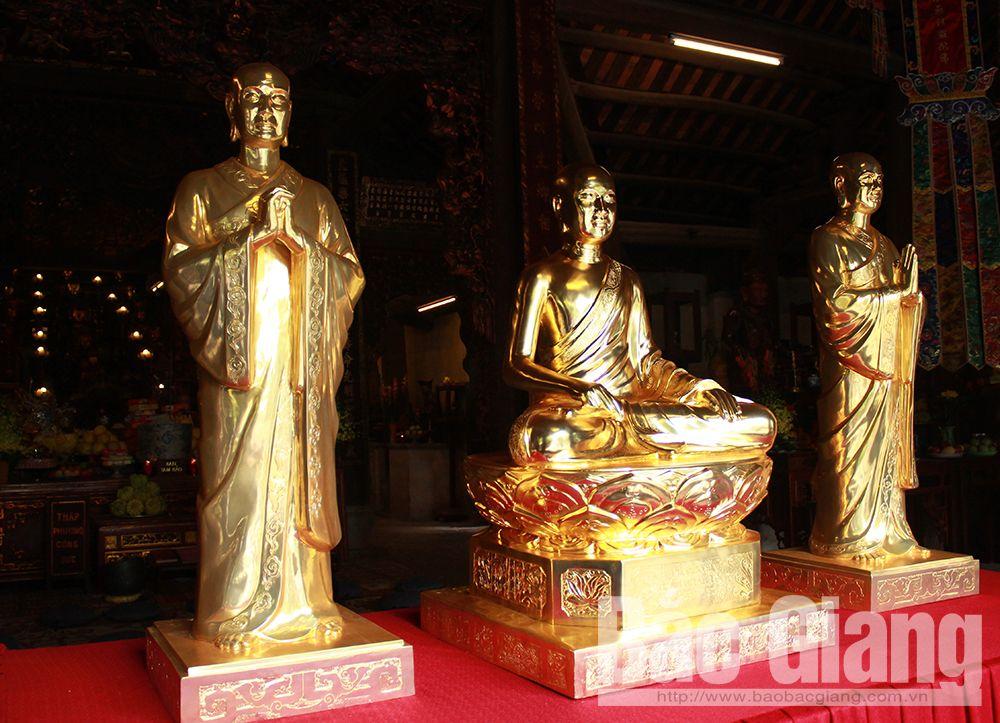 Truc Lam Zen Sect founders, Vinh Nghiem pagoda, Bac Giang province, Tay Yen Tu Spring Festival, provincial Buddhist Sangha, procession ceremony, Successor Huyen Quang, Buddhist Emperor Tran Nhan Tong, most venerable Phap Loa