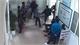 Hai nhóm thanh niên lao vào đánh nhau náo loạn bệnh viện