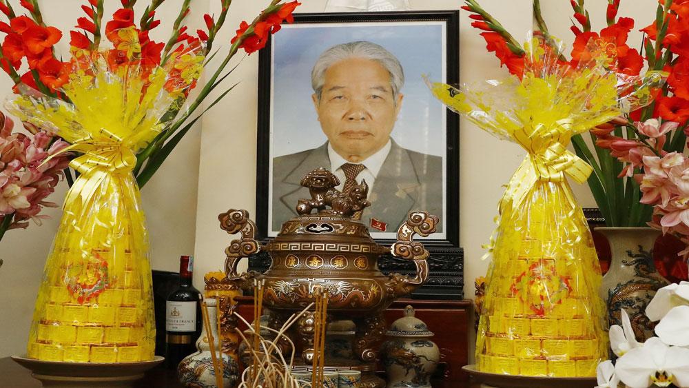 Thủ tướng Nguyễn Xuân Phúc dâng hương tưởng nhớ các đồng chí nguyên lãnh đạo Đảng, Nhà nước qua các thời kỳ