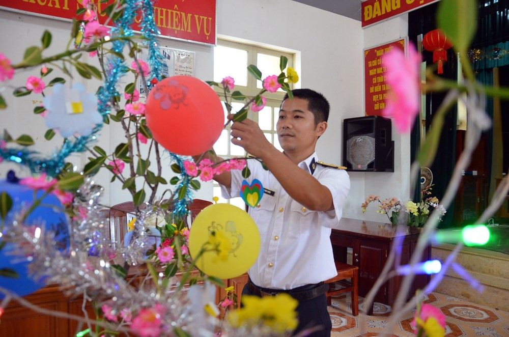 Breath of spring, Truong Sa archipelago, Tet holiday, Lunar New Year, officials and soldiers, biggest festival