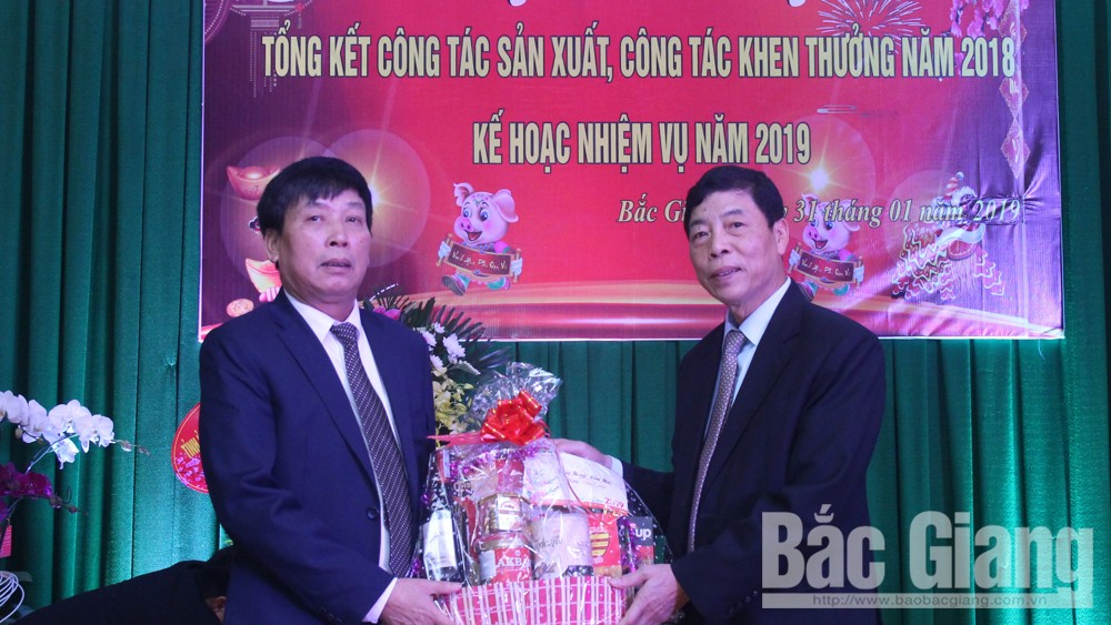 Secretary of provincial Party Committee, Bui Van Hai, pre-Tet visits, Department of Planning and Investment,  high growth, local investment environment, great contributions