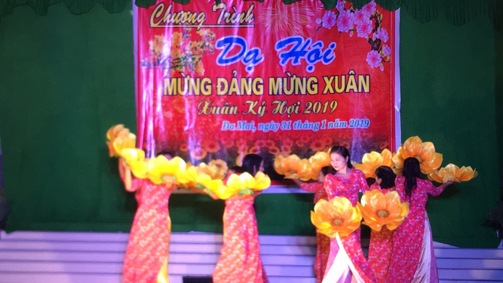 Bac Giang province, cultural and sports activities, Lunar New Year, celebration of Tet, Poem Night, special art programs,