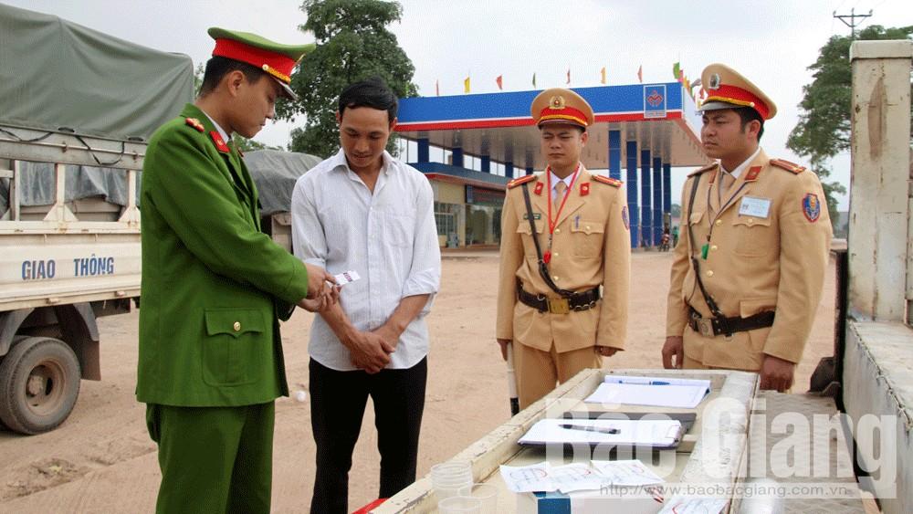 ma túy, lái xe, Lục Nam, công an, giao thông, Bắc Giang
