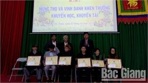 Hội đồng họ Dương huyện Việt Yên mừng thọ và vinh danh khuyến học, khuyến tài