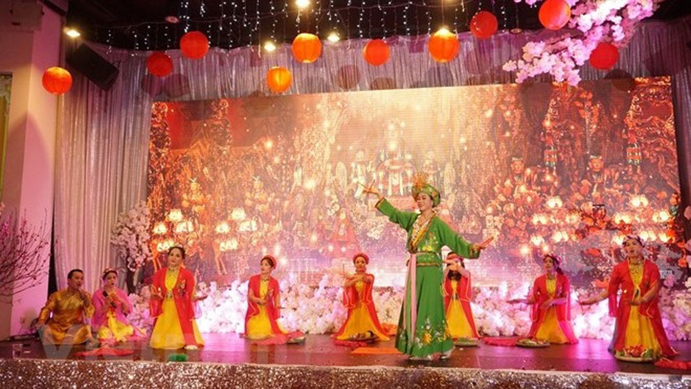 Vietnamese community, Canada, Czech Republic, celebrates Tet, Lunar New Year, get together