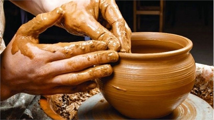 Keeping the chemistry of Vietnamese pottery alive