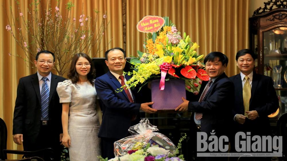 Phó Chủ tịch Thường trực UBND tỉnh Lại Thanh Sơn chúc Tết các cơ quan báo chí