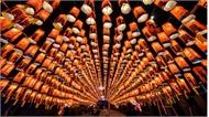 30 cách đón năm mới kỳ lạ của người dân thế giới