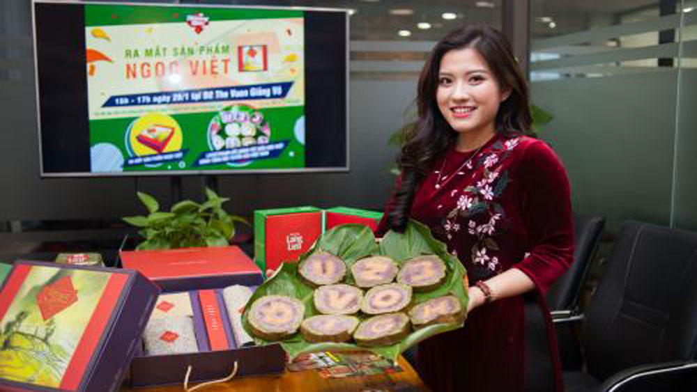Young girl, traditional cake, new look, Banh Chung, Chung cake, glutinous rice square cake,  high-quality gift, Nuong Bac establishment, Thu Hoai