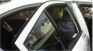 Bắt hai đối tượng người nước ngoài cướp taxi tại Lào Cai