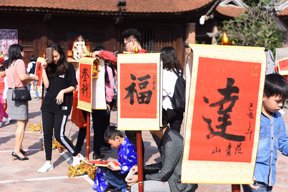Get fortune, Hanoi, Temple of Literature, Tet calligraphy,  luck and fortune,  Lunar New Year, sacred place, calligraphy writers