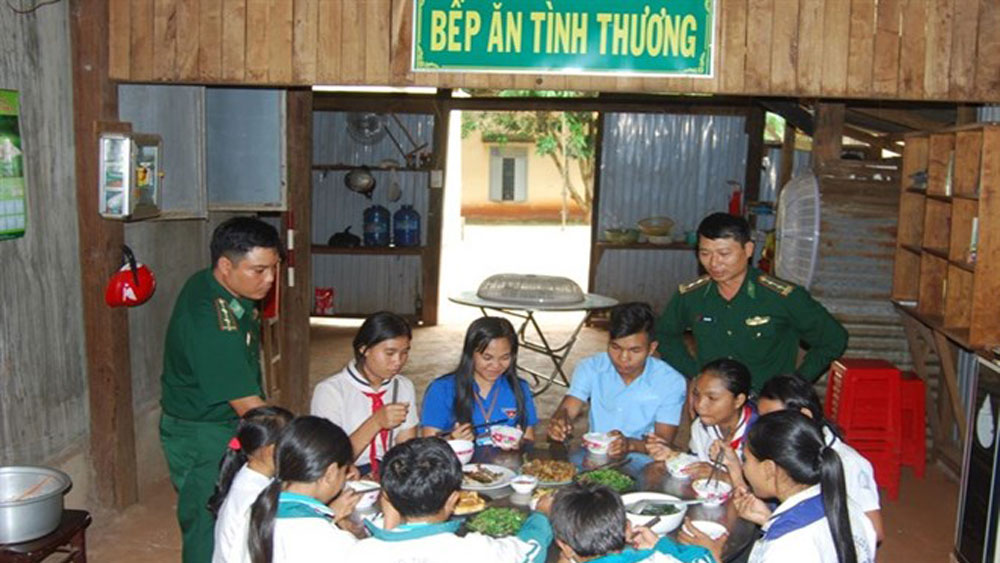 Border guard soldiers, student teaching, La Dom village, local border guard station,  ethnicity students, monthly assistance, disadvantaged backgrounds