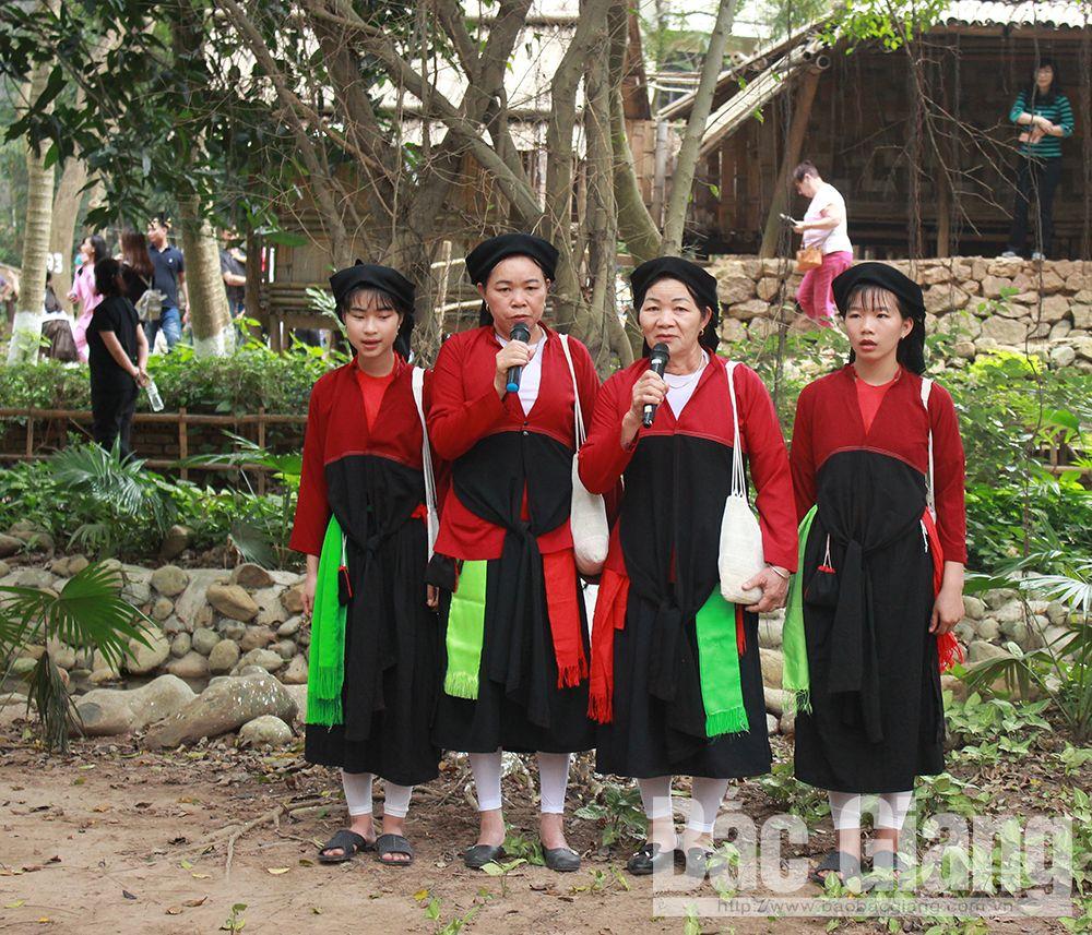Bắc Giang, văn hóa, dân ca quan họ, dệt, Cao Lan, giấy dó, bánh đa Kế, chè kho Mỹ Độ, Tây Yên Tử