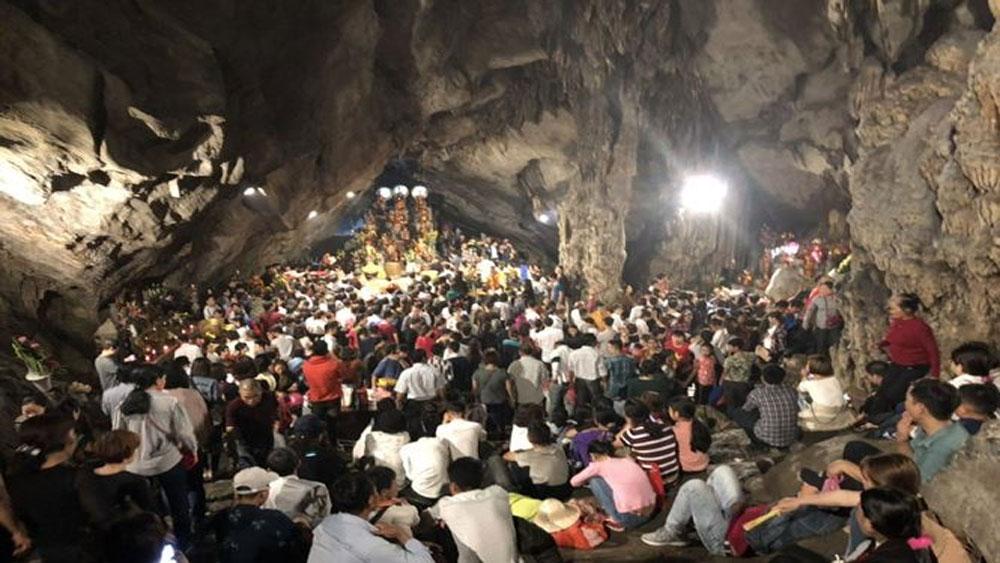 Sáng nay khai hội, dự kiến hơn 5 vạn người trẩy hội chùa Hương