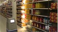 Robot kiểm kê hàng hóa siêu thị trong năm mới