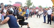 Giải vô địch kéo co tại Lễ hội Xương Giang