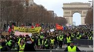 Biểu tình của phe 'áo vàng' biến thành bạo động ở Paris
