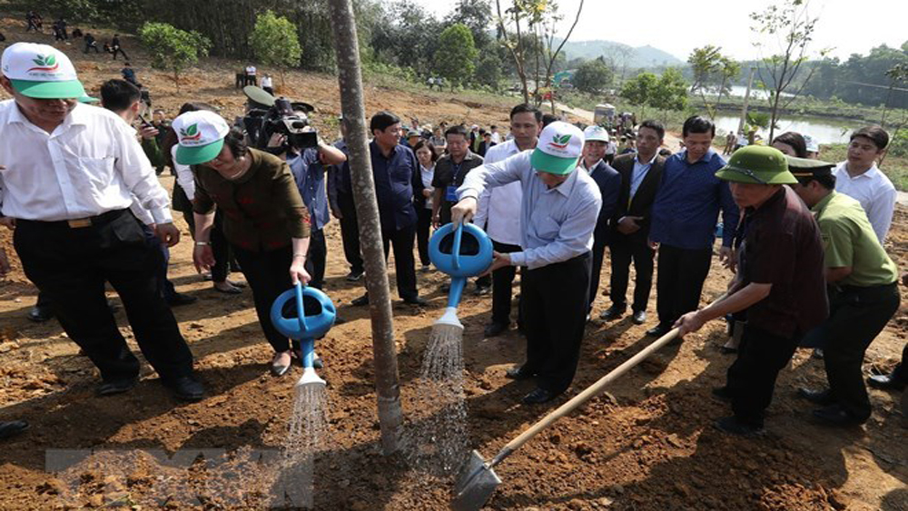 Party, State leader, Nguyen Phu Trong, Tet tree planting festival, Yen Bai province, annual Vietnamese custom, important role, national socio-economic development