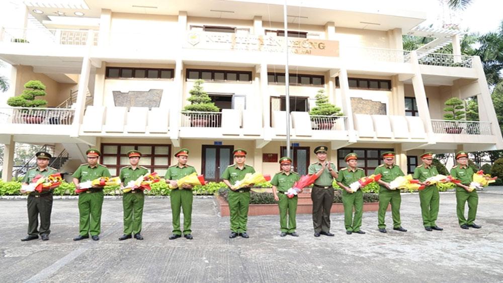 Khen thưởng các đơn vị phá án vụ cướp tại trạm thu phí cao tốc TP Hồ Chí Minh - Long Thành - Dầu Giây