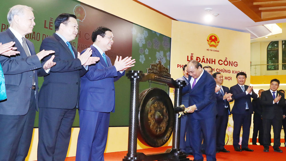 Thủ tướng Nguyễn Xuân Phúc, đánh cồng khai trương, phiên giao dịch chứng khoán đầu Xuân Kỷ Hợi 2019