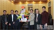 Phó Chủ tịch UBND tỉnh Dương Văn Thái thăm, động viên một số doanh nghiệp nhân dịp đầu Xuân