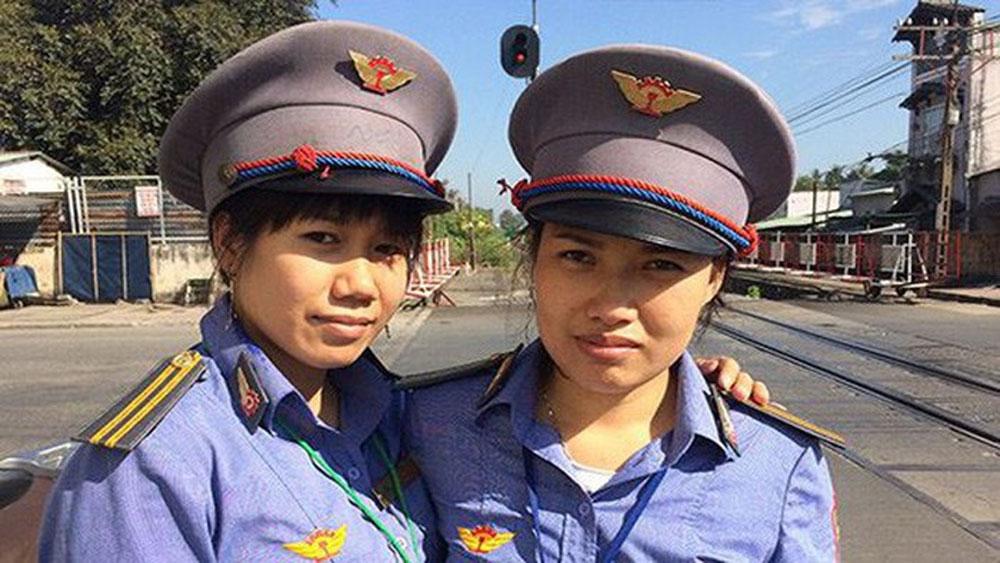 Bộ trưởng Bộ Giao thông-Vận tải gửi thư khen hai nữ nhân viên đường sắt có hành động dũng cảm cứu người