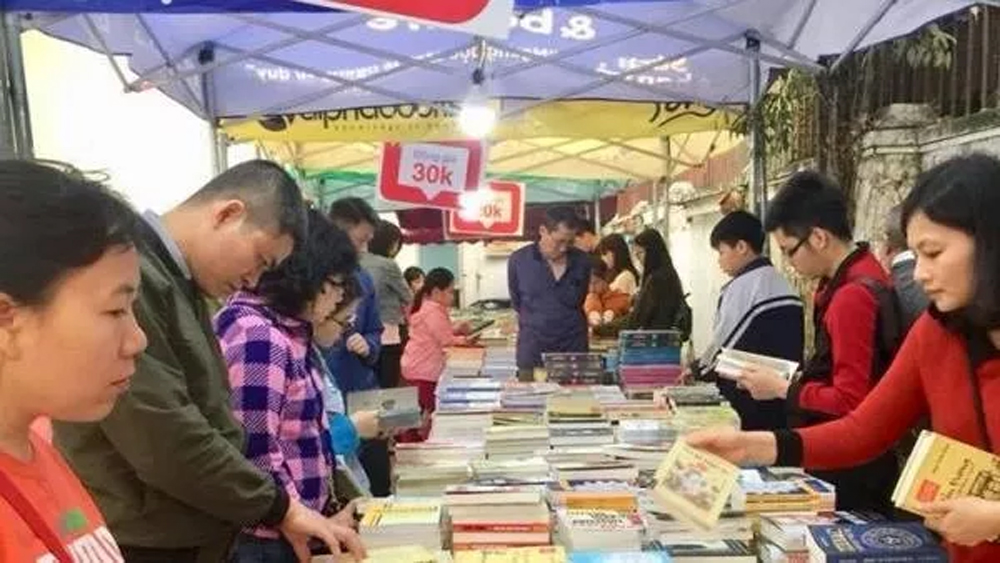 Spring Book Festival, 300,000 books, different genres, literary works, attractive prices,  one-price book booth, cultural values