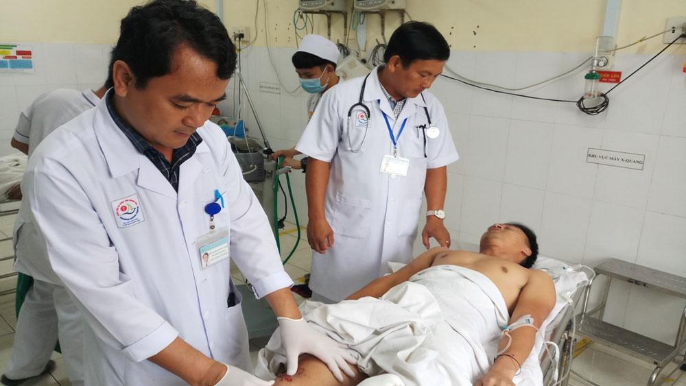 Vụ xe ô tô chở khách đâm vào nhà dân tại Khánh Hòa: Tích cực điều trị cho các nạn nhân