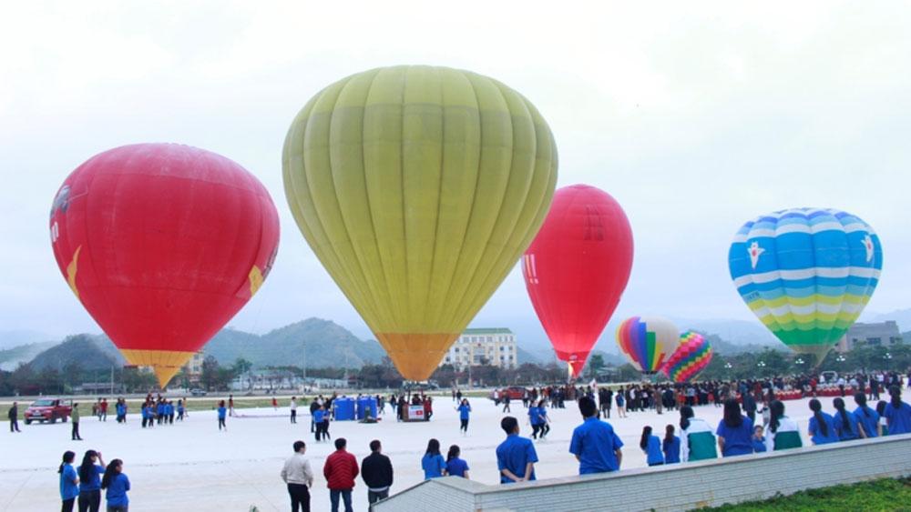 Lễ hội bay khinh khí cầu quốc tế lần thứ hai tại Sơn La