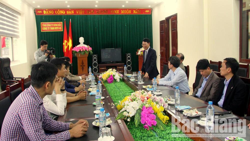 Phó Chủ tịch UBND tỉnh Lê Ánh Dương thăm, động viên Công ty TNHH MTV than 45