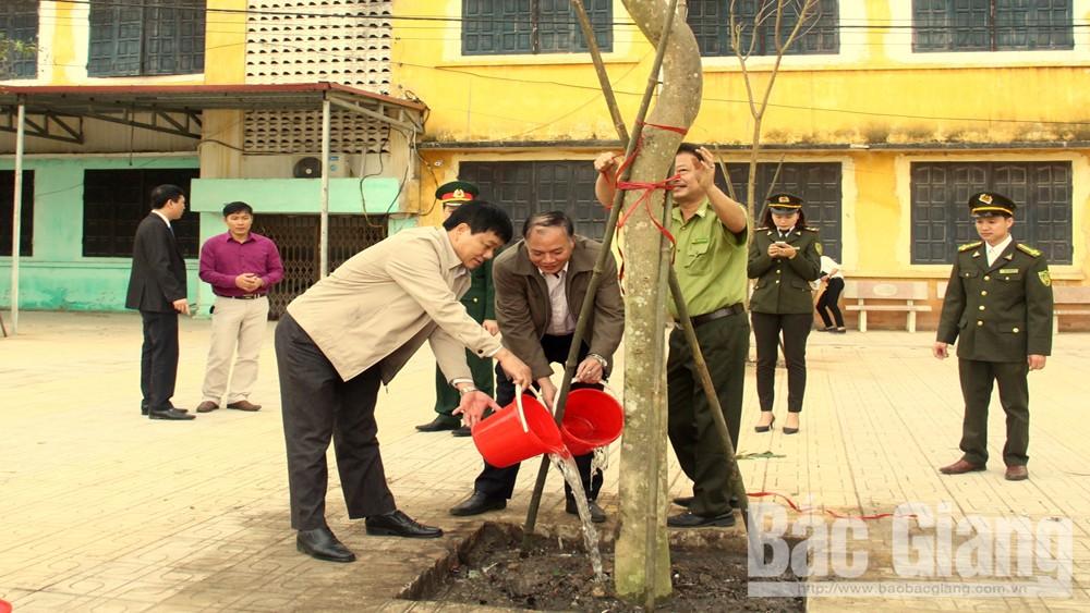 """Hiệp Hòa phát động Tết trồng cây """"Đời đời nhớ ơn Bác Hồ"""""""