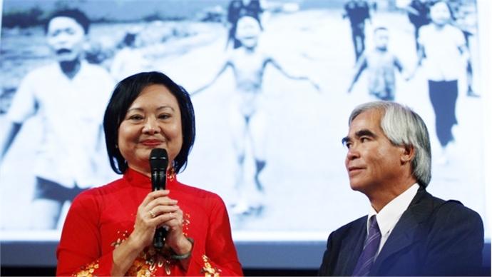 Vietnam War 'Napalm Girl' receives German peace prize