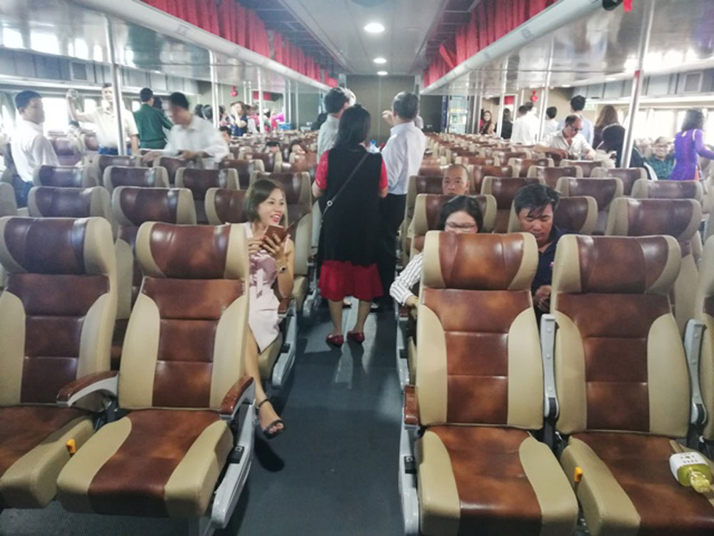 Vietnam, largest high-speed craft, official operation, The Phu Quoc Fast Ferry, Con Dao Express 36, Vung Tau-Con Dao route