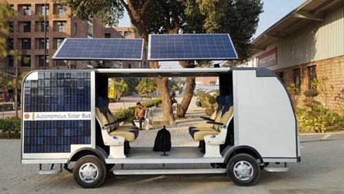Xe buýt tự lái chạy bằng năng lượng mặt trời