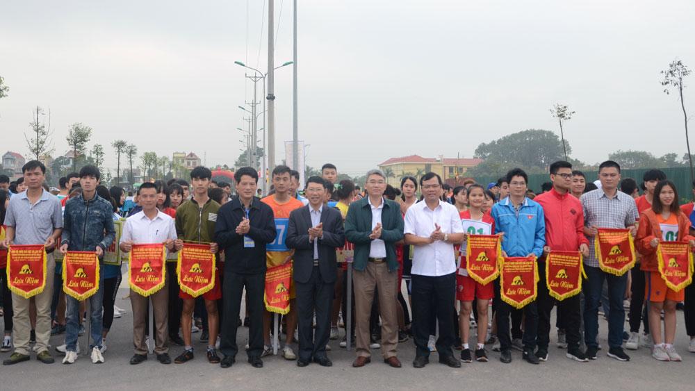 """Exciting marathon of """"Conquering legend Non Vua mountain peak"""""""