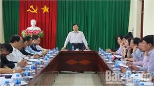 Bí thư Thành ủy Nguyễn Sỹ Nhận làm việc với Đảng ủy xã Tân Tiến