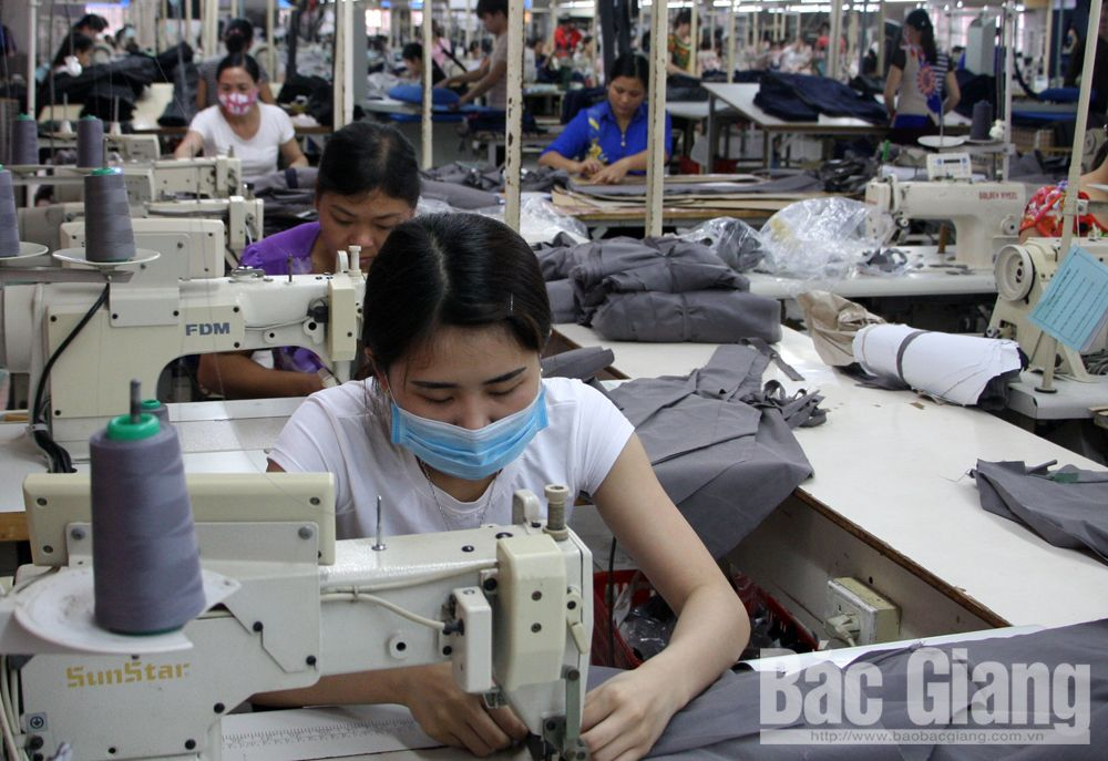 Bac Giang province, administrative procedures, foreign languages, favourable conditions, foreign investors, Full and accurate information, provincial competitiveness index, FDI enterprises