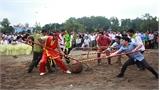 Lễ hội vùng Bảo Lộc Sơn: Trò chơi cầu móc thu hút đông đảo du khách thập phương