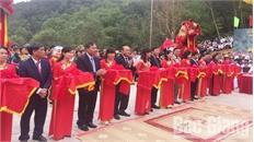 Cắt băng khánh thành và khai hội đền Thần Nông