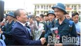 Tuổi trẻ đất Phượng Hoàng hân hoan lên đường bảo vệ Tổ quốc